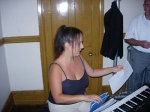 liz_thomas_accompanist_aug2006